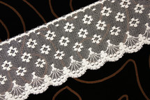 "3"" Natural Floral Scalloped Lace Trim Wholesale"