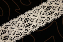 "2 1/4"" Ivory Floral Lace Trim Wholesale"
