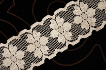 "2 1/2"" Beige Floral Wholesale Lace Trim #lace-519"