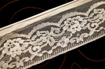 "3"" Natural White Floral Fine Lace Trim #1115"