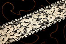 "2"" Light Beige Vintage Lace Trim #1147"