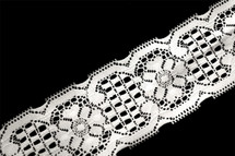 "2 1/2"" Pure White Floral Lace Trim Wholesale"