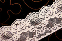 "3 1/4"" Off White Floral Lace Trim Wholesale"