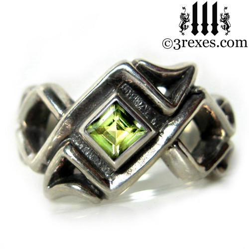 celtic ring with peridot stone .925 sterling silver