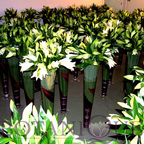 corporate-flowers-gold-coast-australia-function-table-flowers-white.jpg