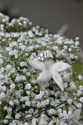 desilva-sutcliffe-wedding-bouquets-close-up-with-ring.jpg
