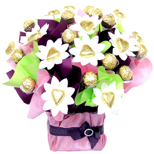 ferrero-chocolate-box-arrangment-of-edible-blooms-gold-coast-two-dozen-chocolates.jpg