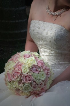 florist-gold-coast-botanique-flowers-wedding-thank-you-pink-and-white-rose-posy-with-pearls-sm.jpg