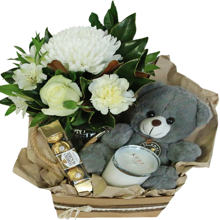 leo-hampedr-candle-flowers-in-vase-teddy-chocolates-70518.1562217733.1280.1280.jpg