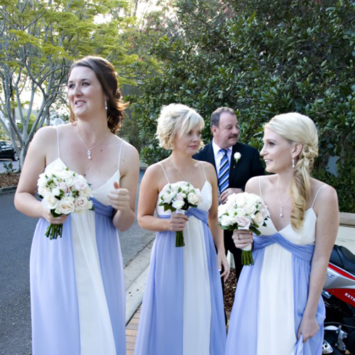 lisa-bridesmaids-flowers.jpg