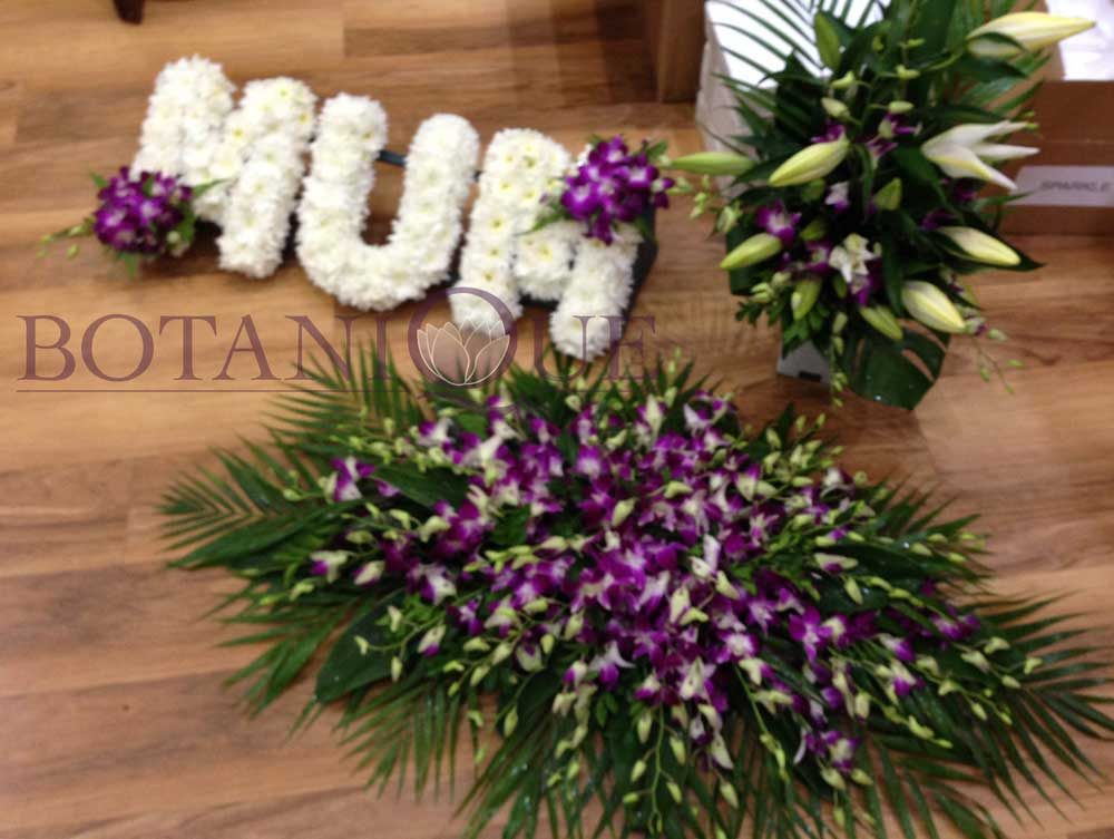 Funeral Flowers Custom Made Funeral Wreaths For Delivery To Gold