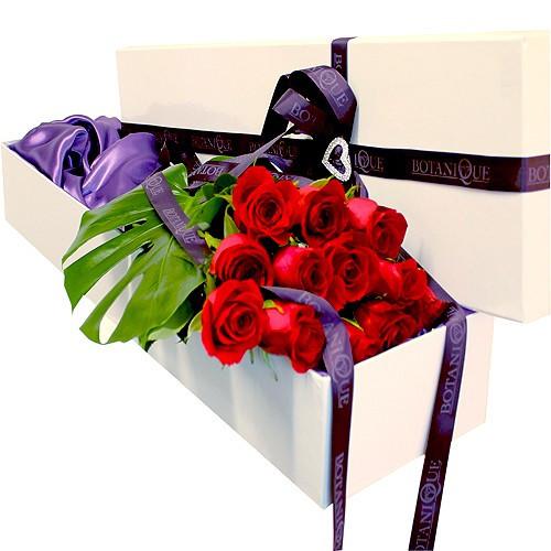 Botanique Florist Gold Coast Hollywood Box Dozen Roses