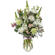 Splendour - bouquet of carnations, disbuds, snapdragons, lissianthus in a glass vase