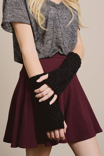 Knitted Arm Warmers in Black