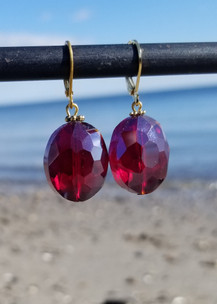 Red Crystal Earrings (Gold)