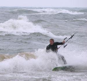 Kiteboarding in waves