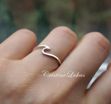 Dainty Stacking Wave Ring - Solid Gold