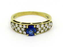 18 Karat Yellow Gold Oval Sapphire and Diamond Ring
