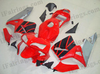 Honda CBR600RR 2003 2004 red,black and silver fairing kits, this Honda CBR600RR 2003 2004 plastics was applied in red,black and silver graphics, this 2003 2004 CBR600RR fairing set comes with the both color and decals shown as the photo.If you want to do custom fairings for CBR600RR 2003 2004,our talented airbrusher will custom it for you