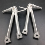 Aluminum alloy made replacement passenger/rear foot pegs and mount bracket assembly for 2006 2007 Suzuki GSX-R600, GSX-R750, these style footrest assembly are light weight than OEM stock footrest and race-inspired design provides excellent traction and feedback. CNC machined from high-impact aluminum for durability and precise fitment.