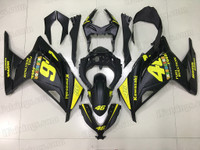 Kawasaki Ninja 300 matte black fairing kit