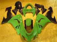 Kawasaki ZX10R 2006 2007 green and black fairing kits, this Kawasaki ZX10R 2006 2007 plastics was applied in green and blackgraphics, this 2006 2007 ZX10R fairing set comes with the both color and decals shown as the photo.If you want to do custom fairings for ZX10R 2006 2007,our talented airbrusher will custom it for you.