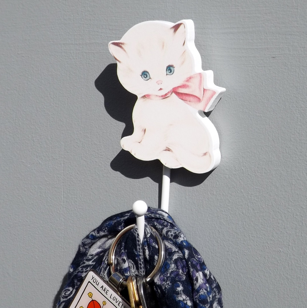 Cute kitty cat with a huge pink bow coat hook lovehooks Cute coat hooks