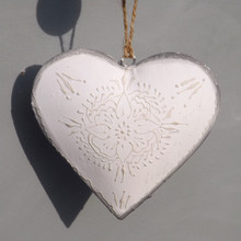 Blanche Hanging White and grey decorative Heart