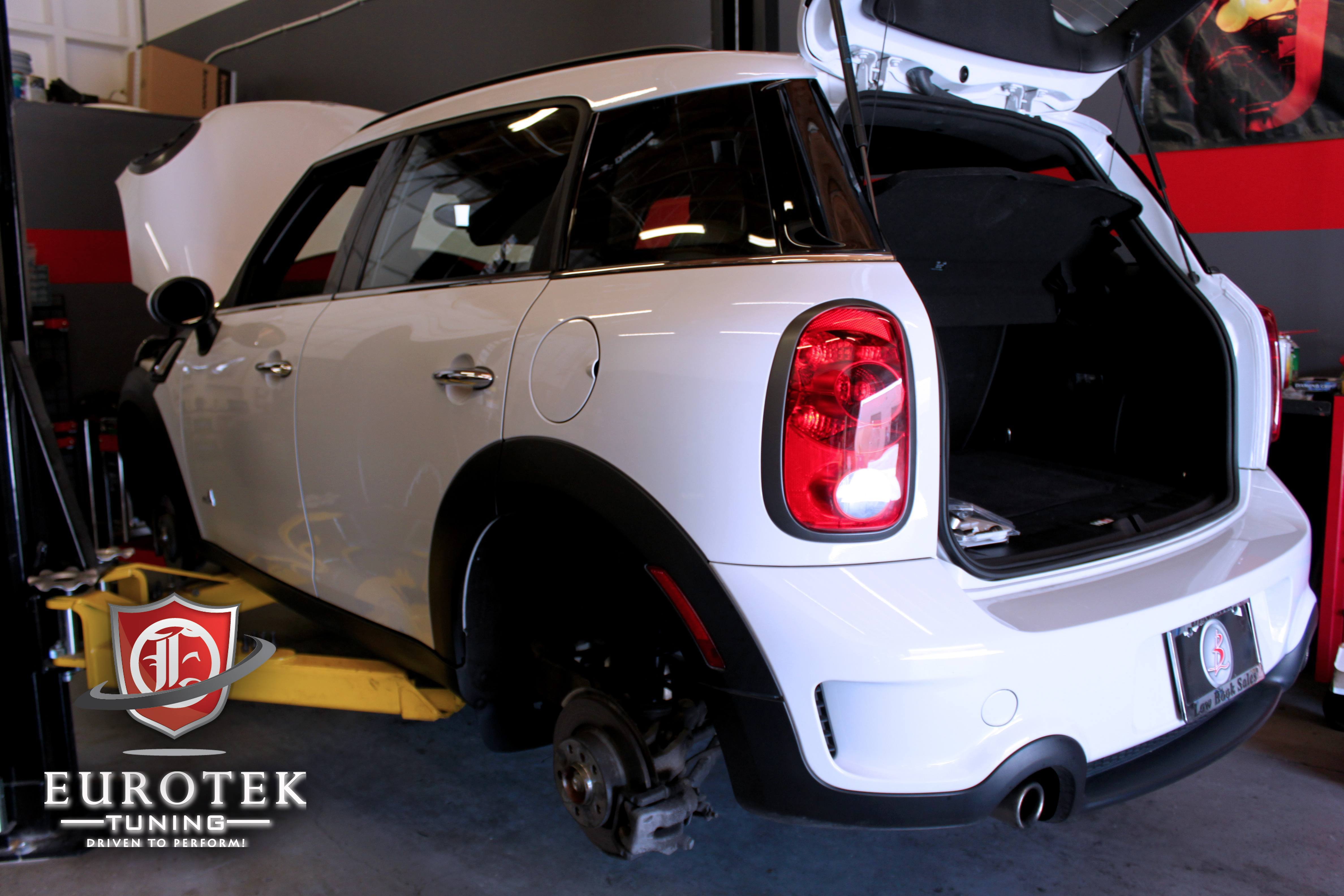 lacing a mini countryman with nm engineering parts. Black Bedroom Furniture Sets. Home Design Ideas