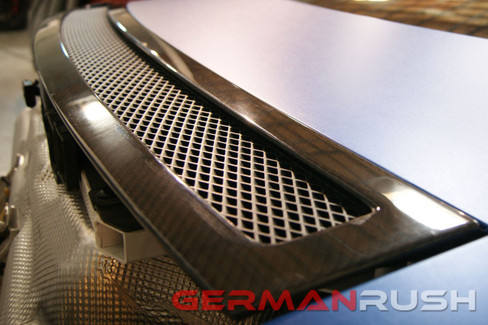 German Rush Carbon Fiber Wind Deflector for Audi R8 2007-15 (GR8CFWDEF0713)