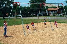 Modern Tripod Swing Set (581-230)