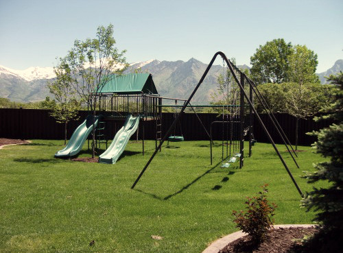Supreme Metal Clubhouse Swing Set (CP-CH52)