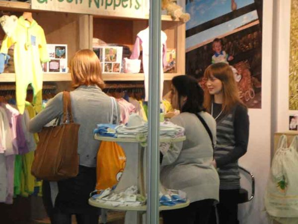 green-nippers-stand-the-baby-show-london2.jpg