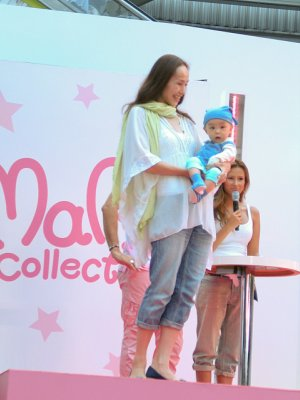 simon-suit-organic-baby-grow-on-catwalk-at-tokyo-fashion-show.jpg