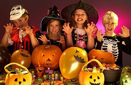146185-425x277-halloween-kids.jpg