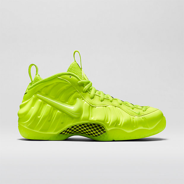 08e9a64d112be Nike Air Foamposite Pro - Volt  624041-700. Image 1. Loading zoom