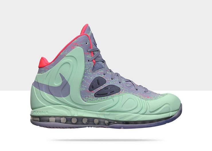 Nike Air Max Hyperposite - Rajon Rondo Christmas PE  524862-302. Image 1.  Loading zoom 691d500fa