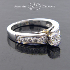 Style PDX525 Round Center Diamond With Millgrain Round Accent Diamonds 14K White Yellow Gold