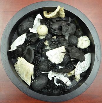 Black and White Potpourri Blend
