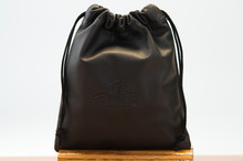 Grande Pouch Black Regal