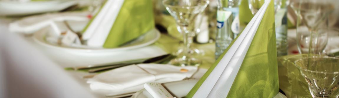 tablecloths-wholesale.jpg