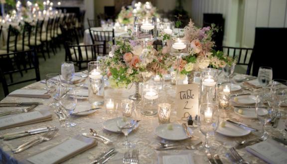 wholesale-tablecloths.jpg