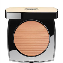 CHANEL Les Beiges Healthy Glow Luminous Colour ~ Medium Light ~ Limited Edition for Cruise Collection 2017