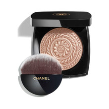 CHANEL Eclat Magnetique de Chanel Illuminating Powder ~ Holiday 2019 Collecition Limited Edition