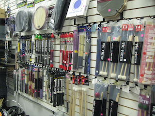 ray-fransens-mallet-accessory-wall.png