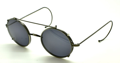 Varying round lens sizes in this antique silver frame with matching sunclip from www.theoldglassesshop.co.uk