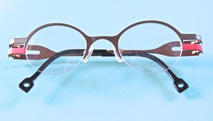 Distinctive Sara-Eliris Designer round glasses