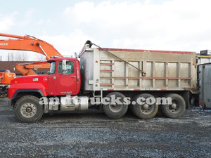 1998 Tri Axle Mack w 427 hp, workhorse of the construction industry.