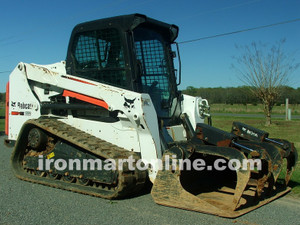 For Sale Bobcat T550 Track Loader Skid Steer w Hydraulic Grapple
