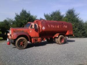 1961 B-42 P B-Model Mack Truck
